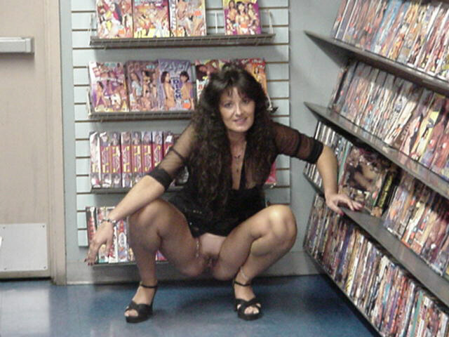 standing-wife-nude-bookstore-shaved